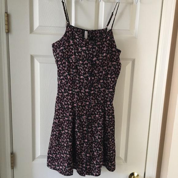 Xhilaration Dresses & Skirts - Juniors Mini-Floral Buttoned down Dress